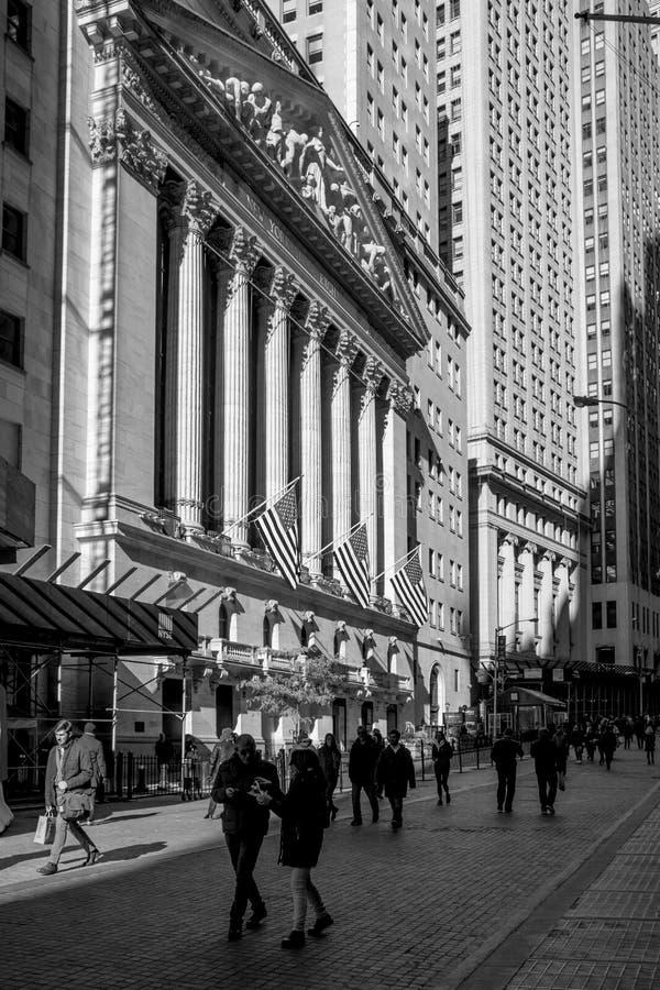 Opinião de Wall Street preto e branco imagens de stock royalty free