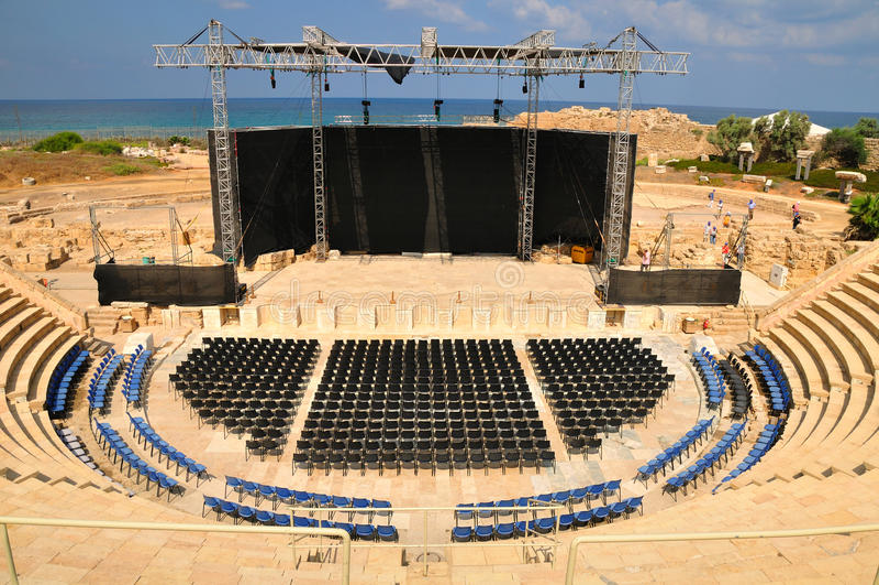 Opinião do amphitheater de Caesarea. imagens de stock