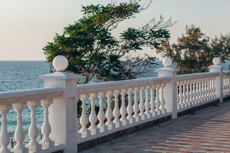Opinião do balcão no mar foto de stock royalty free