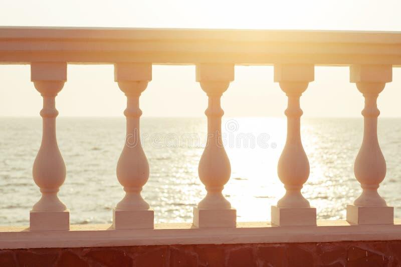 Opinião do balcão no mar fotografia de stock