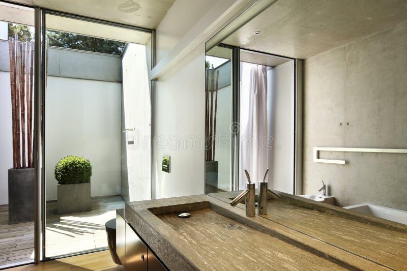 Opinião do banheiro imagens de stock