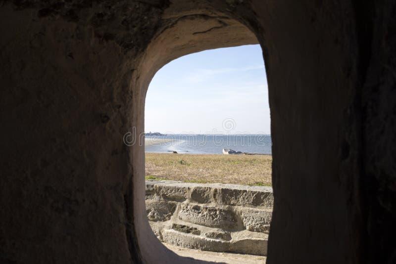 Opinião do buraco da fechadura de Sumter do forte imagem de stock royalty free