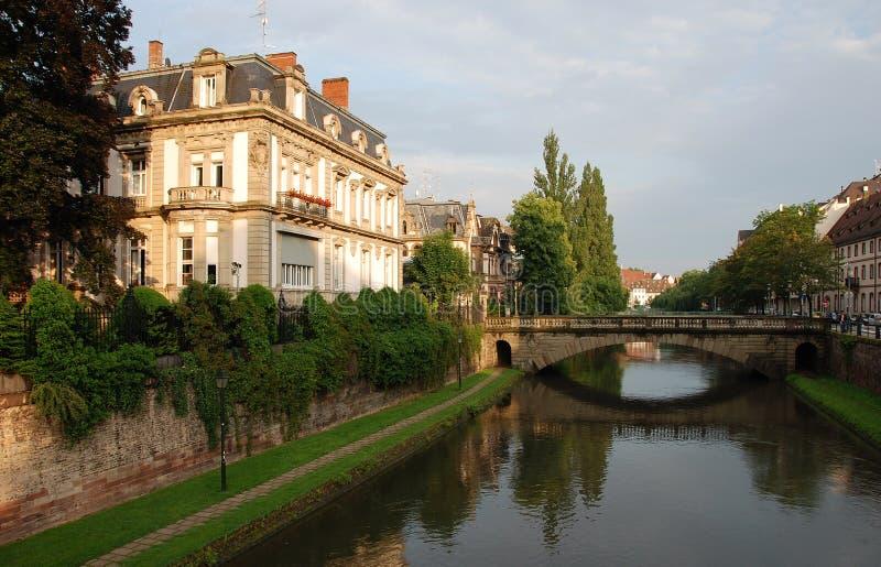 Opinião do canal em Strasbourg fotos de stock