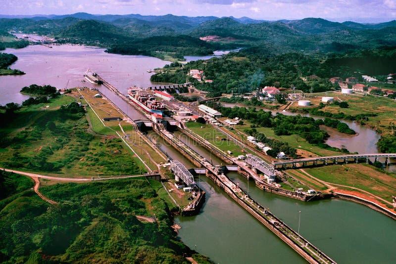 A opinião do canal do Panamá fotografia de stock royalty free