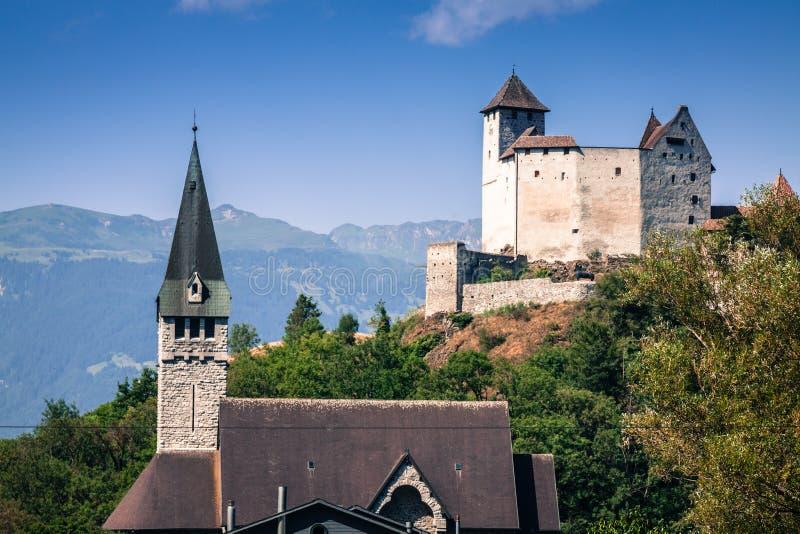 Opinião do castelo de Vaduz, Lichtenstein imagens de stock