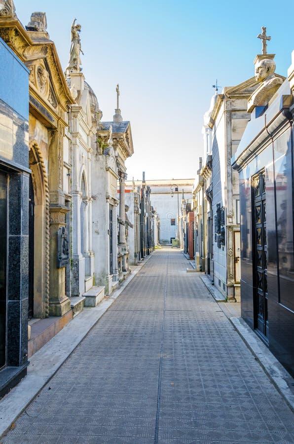 Opinião do cemitério de Recoleta fotografia de stock