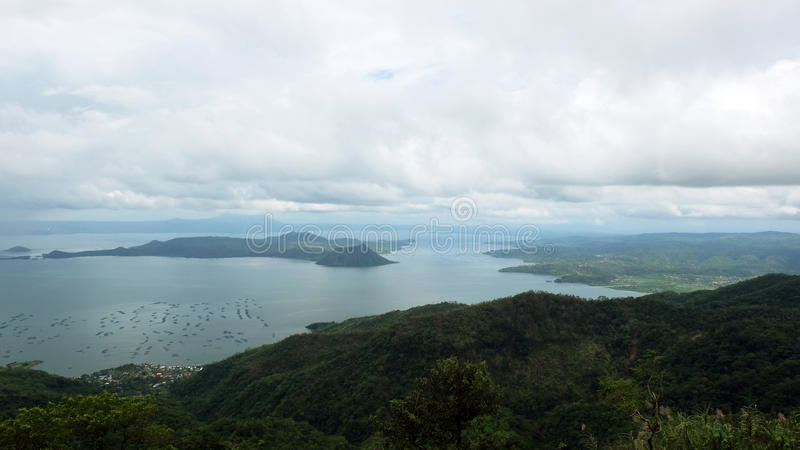 Opinião do cenário do lago Taal fotografia de stock royalty free