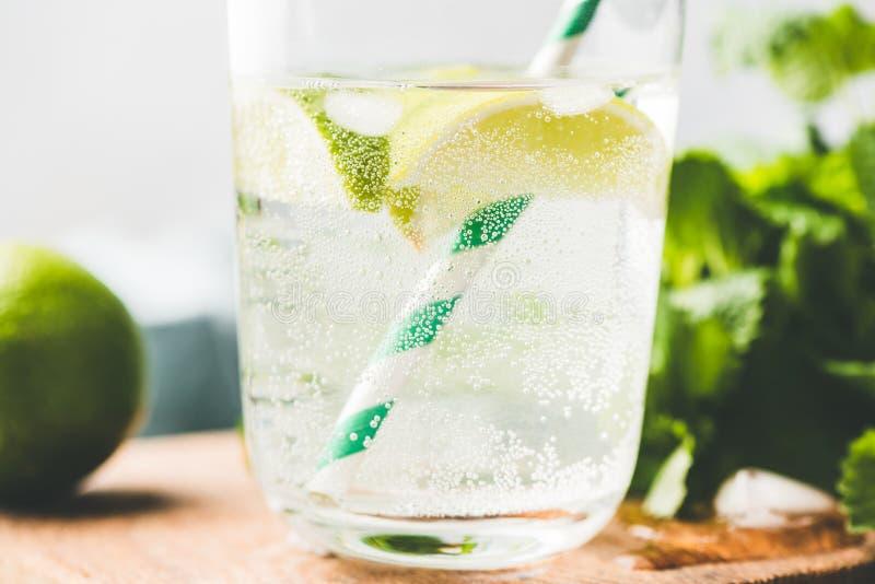 Opinião do close up da limonada efervescente fotos de stock royalty free