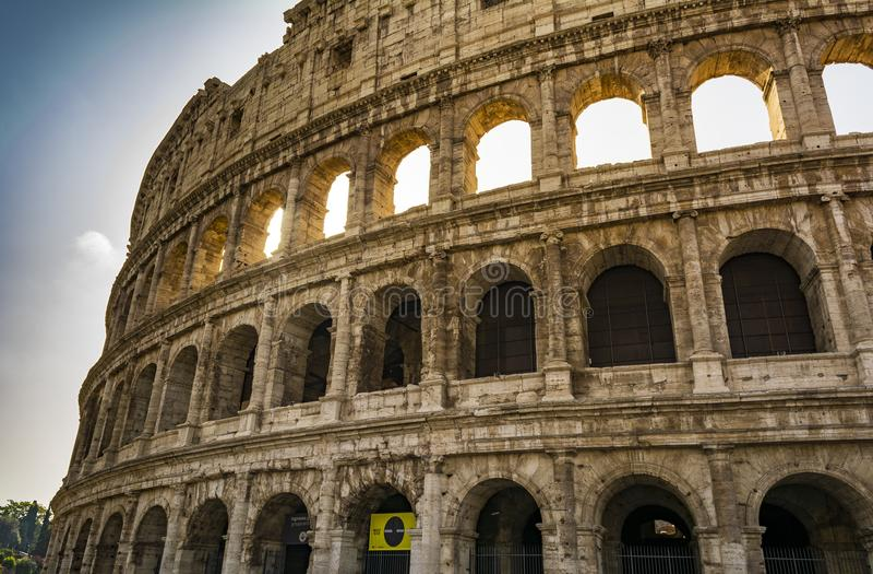 Opinião do close up de Colosseum, o marco conhecido mundo de Roma, Itália imagem de stock royalty free