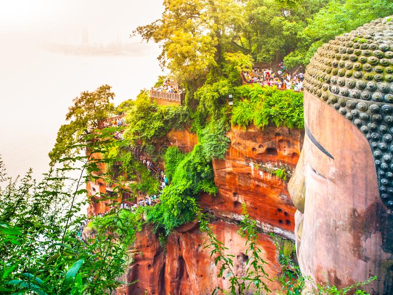 Opinião do close-up de Dafo - estátua gigante da Buda província em Leshan, Sichuan, China fotos de stock royalty free