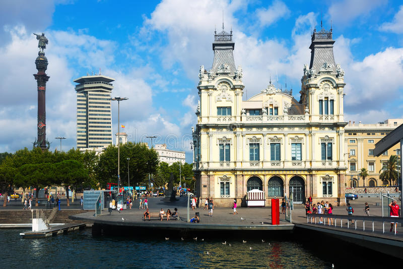 Opinião do dia do porto Vell no verão Barcelona fotografia de stock