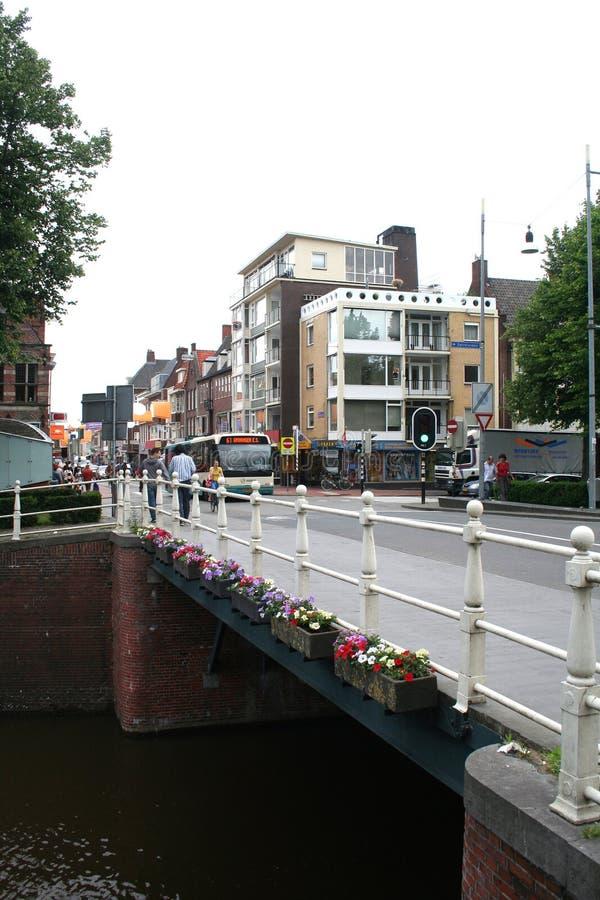 Opinião do dia a dia e da cidade em Groningen imagens de stock