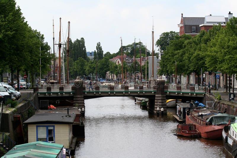 Opinião do dia a dia e da cidade em Groningen imagem de stock