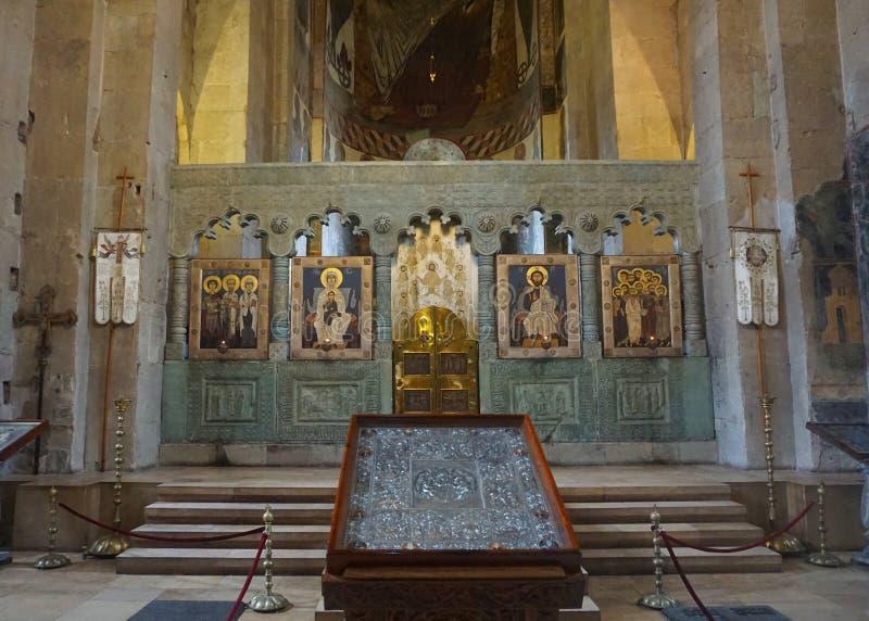 Opinião do Iconostasis de Mtskheta Svetitskhoveli imagens de stock royalty free