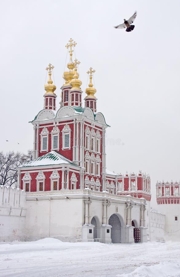Inverno em Moscovo. Convento de Novodevichy imagens de stock
