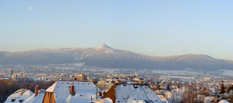 Opinião do inverno no monte Jested fotografia de stock royalty free
