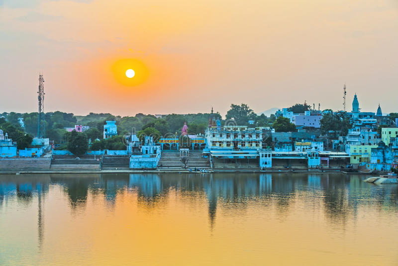 Opinião do lago aos ghats fotos de stock
