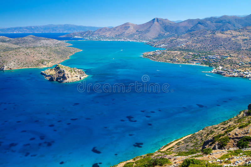 Opinião Do Louro De Mirabello Com O Console De Spinalonga Em Crete Fotografia de Stock Royalty Free