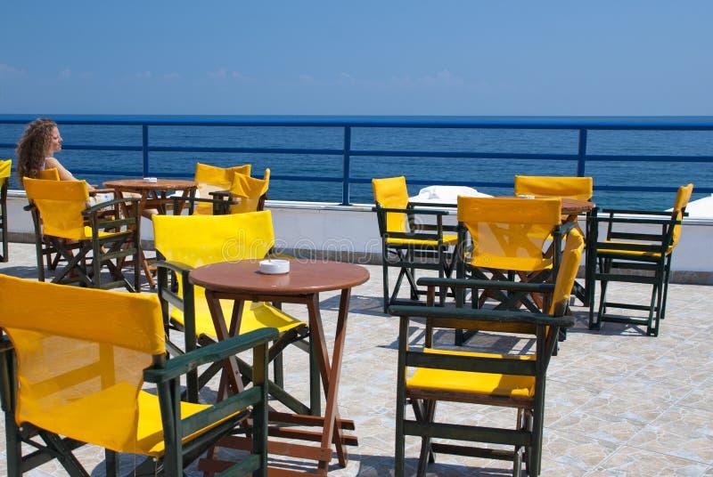 Opinião do mar de um terraço imagens de stock royalty free