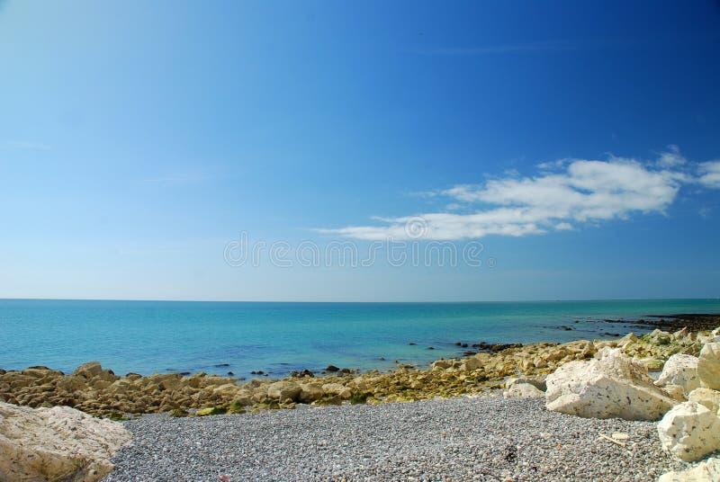 Opinião do mar em Inglaterra sul, Reino Unido foto de stock