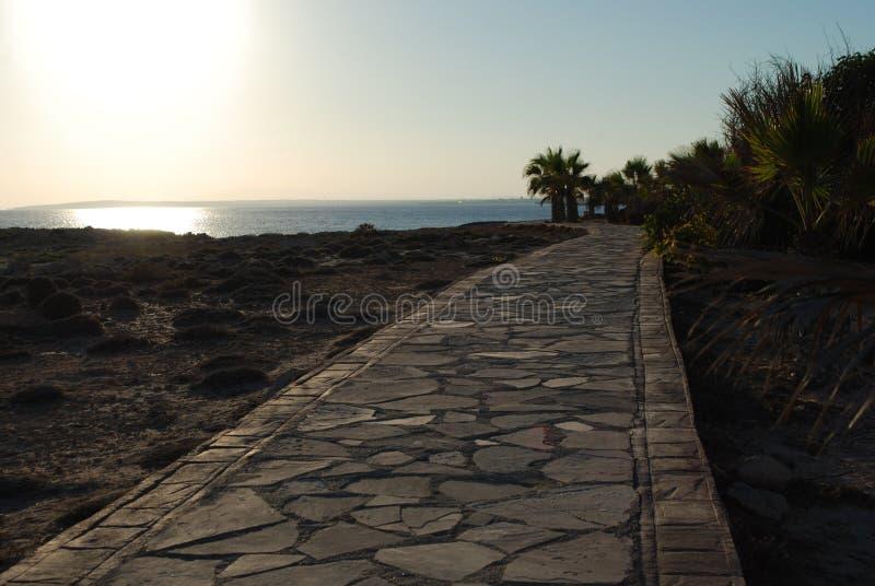 Opinião do mar na costa de Chipre foto de stock