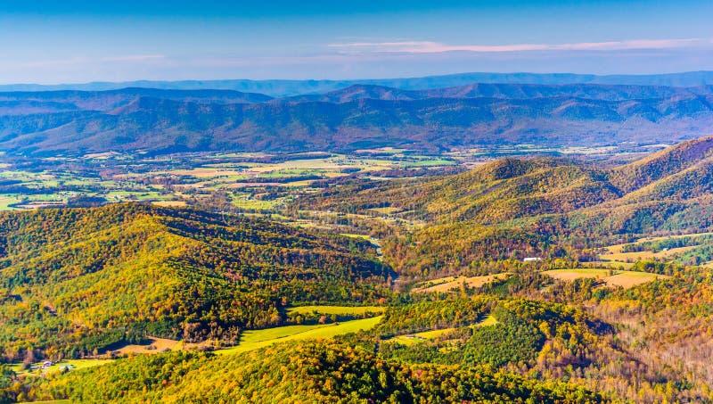 Opinião do outono do Shenandoah Valley, da movimentação da skyline em Shen fotografia de stock royalty free