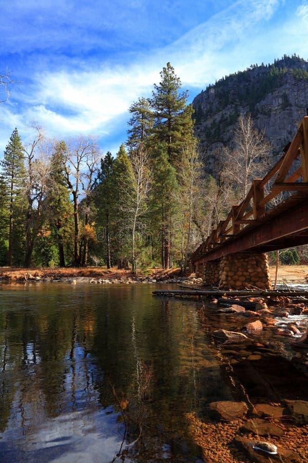 Opinião do outono em Yosemite imagem de stock royalty free