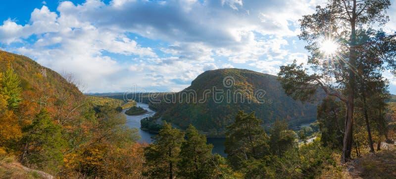 Opinião do panorama da montagem Tammany no outono imagem de stock royalty free