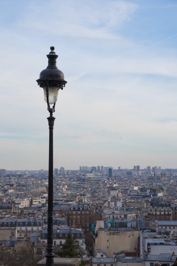 Opinião do patrimônio mundial sobre telhados azuis famosos de Paris fotos de stock royalty free