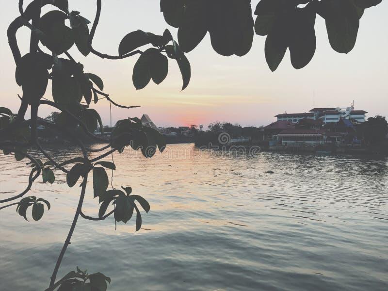 Opinião do rio de Ayutthaya foto de stock