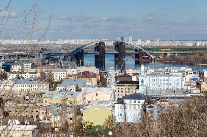 Opinião do rio Ponte imagens de stock royalty free