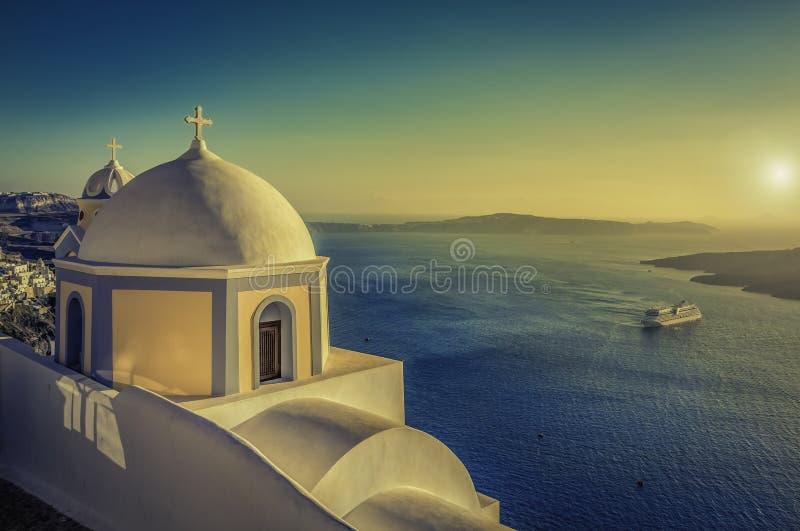 Opinião do vintage do Caldera em Santorini, Grécia foto de stock