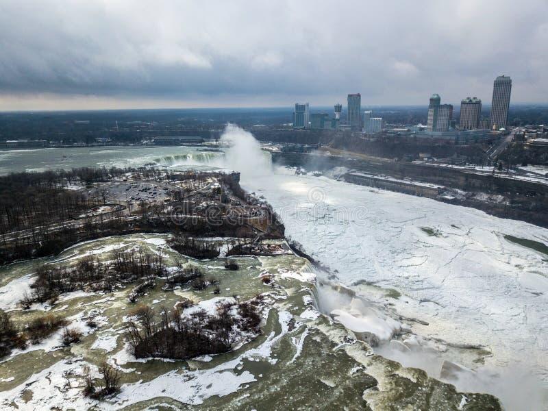 Opinião do zangão no Niagara Falls, Canadá foto de stock