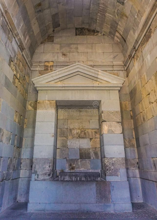 Opinião interior do altar do templo de Garni foto de stock