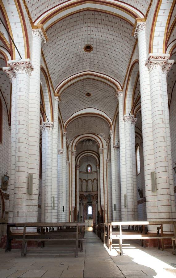 Opinião interna da igreja do St. Pierre imagem de stock