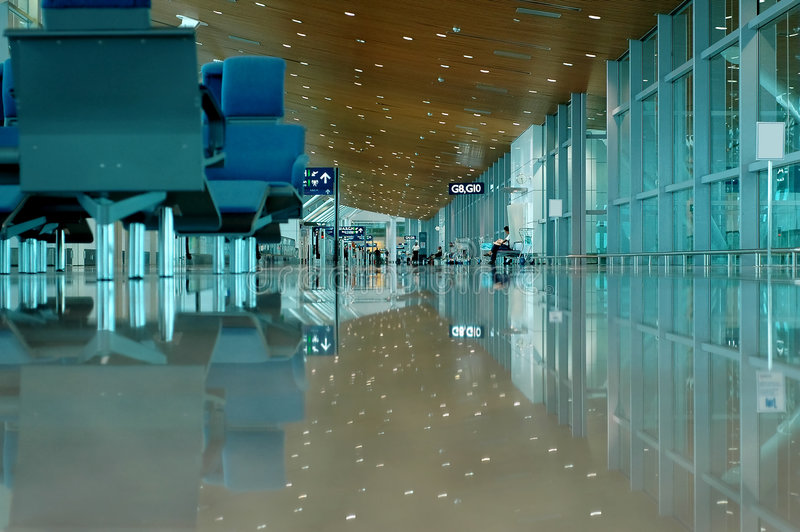Download Opinião Interna Do Aeroporto Imagem de Stock - Imagem de cadeira, partida: 104483
