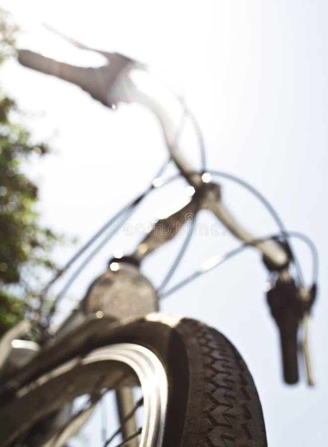 Opinião larga do fundo da bicicleta foto de stock royalty free