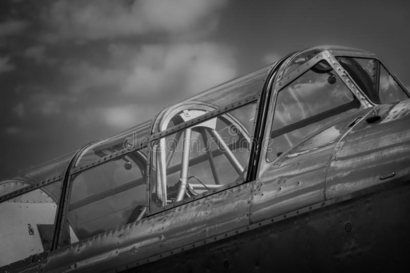 Opinião lateral da cabina do piloto velha alemão do avião fotografia de stock royalty free
