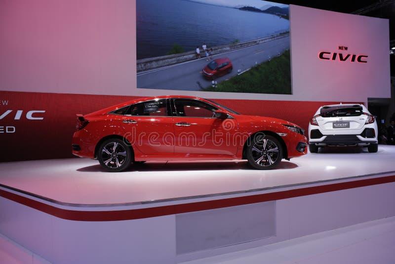 Opinião lateral do modelo 2018 do carro com porta traseira de Honda Civic fotografia de stock
