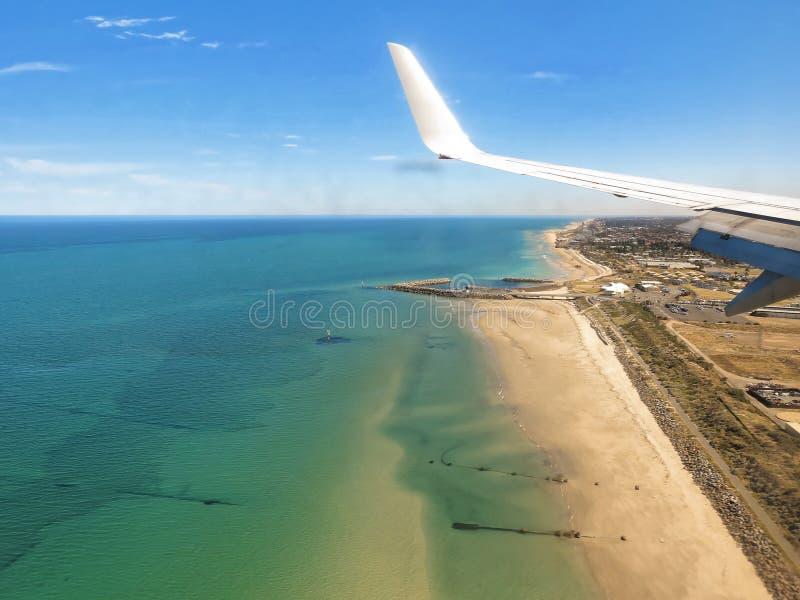Opinião litoral do plano de Adelaide da cidade foto de stock