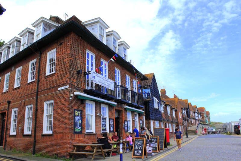 Opinião litoral Kent Great Britain da rua de Folkestone imagem de stock