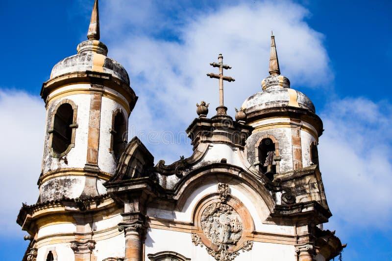 Opinião o Igreja de Sao Francisco de Assis da cidade do patrimônio mundial do unesco do preto do ouro em gerais Brasil de minas imagem de stock