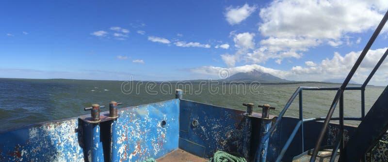 Download Opinião Panorâmico Da Ilha De Ometepe Da Balsa Imagem de Stock - Imagem de praia, fundo: 65579835