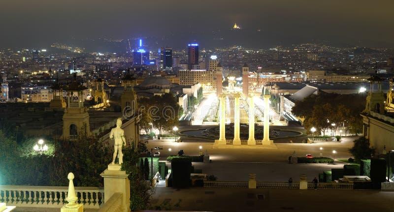 Opinião panorâmico da noite de Barcelona fotografia de stock royalty free
