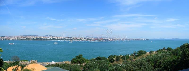Opinião panorâmico de Bosphorus do palácio de Topkapi foto de stock royalty free