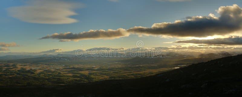 Opinião panorâmico de HDR da montanha sueco Ansaett imagem de stock