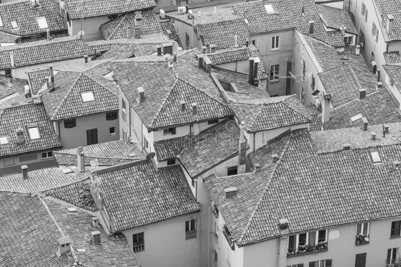 Opinião preto e branco da arquitetura da cidade do torri devido imagens de stock royalty free