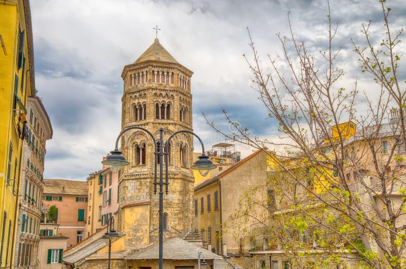 Opinião San Donato Church, centro histórico, Genoa Genova, Itália imagem de stock royalty free