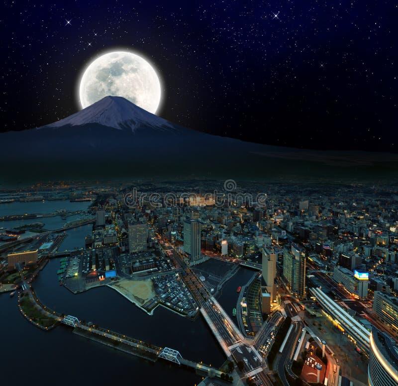 Opinião surreal da noite de Yokohama fotografia de stock royalty free