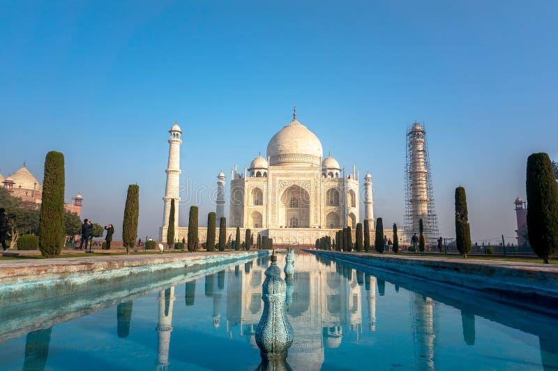 A opinião Taj Mahal no nascer do sol, Agra, Índia fotos de stock royalty free